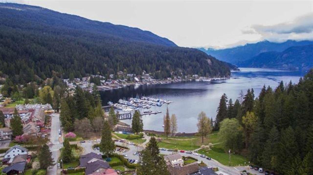 "Photo 10: Photos: 301 N DOLLARTON Highway in North Vancouver: Dollarton House for sale in ""DOLLARTON"" : MLS®# R2308874"