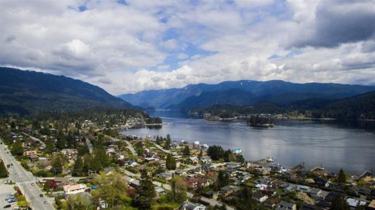 "Photo 9: Photos: 301 N DOLLARTON Highway in North Vancouver: Dollarton House for sale in ""DOLLARTON"" : MLS®# R2308874"
