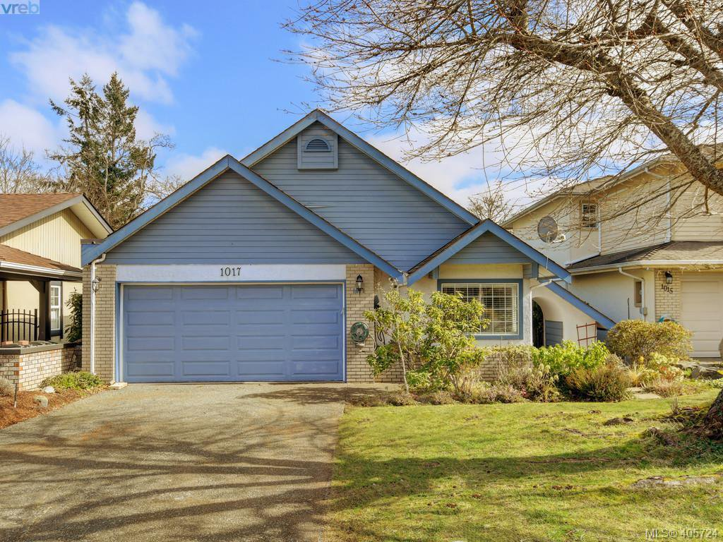 Main Photo: 1017 Scottswood Lane in VICTORIA: SE Broadmead Single Family Detached for sale (Saanich East)  : MLS®# 806228