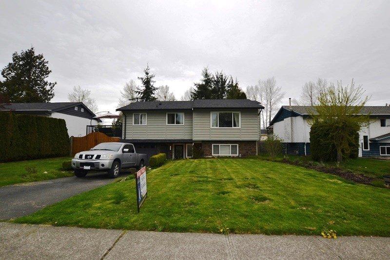 "Main Photo: 26571 32A Avenue in Langley: Aldergrove Langley House for sale in ""ALDERGROVE"" : MLS®# R2356325"