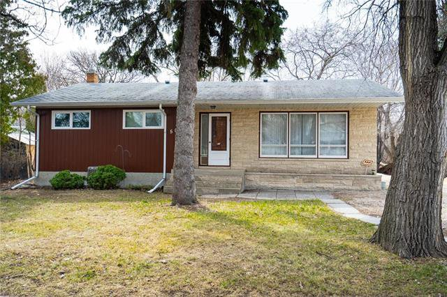 Main Photo: 50 Arden Avenue East in Winnipeg: St Vital Residential for sale (2C)  : MLS®# 1909047