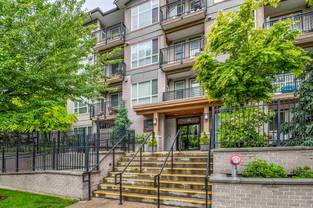"""Main Photo: 301 2343 ATKINS Avenue in Port Coquitlam: Central Pt Coquitlam Condo for sale in """"PEARL"""" : MLS®# R2372122"""