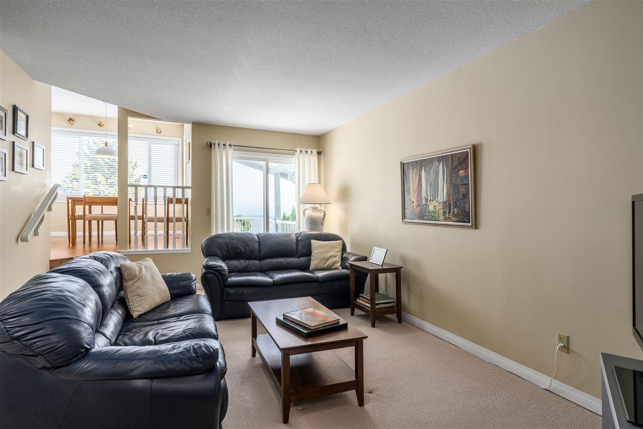 Photo 8: Photos: 2768 WESTLAKE Drive in Coquitlam: Coquitlam East House for sale : MLS®# R2396753