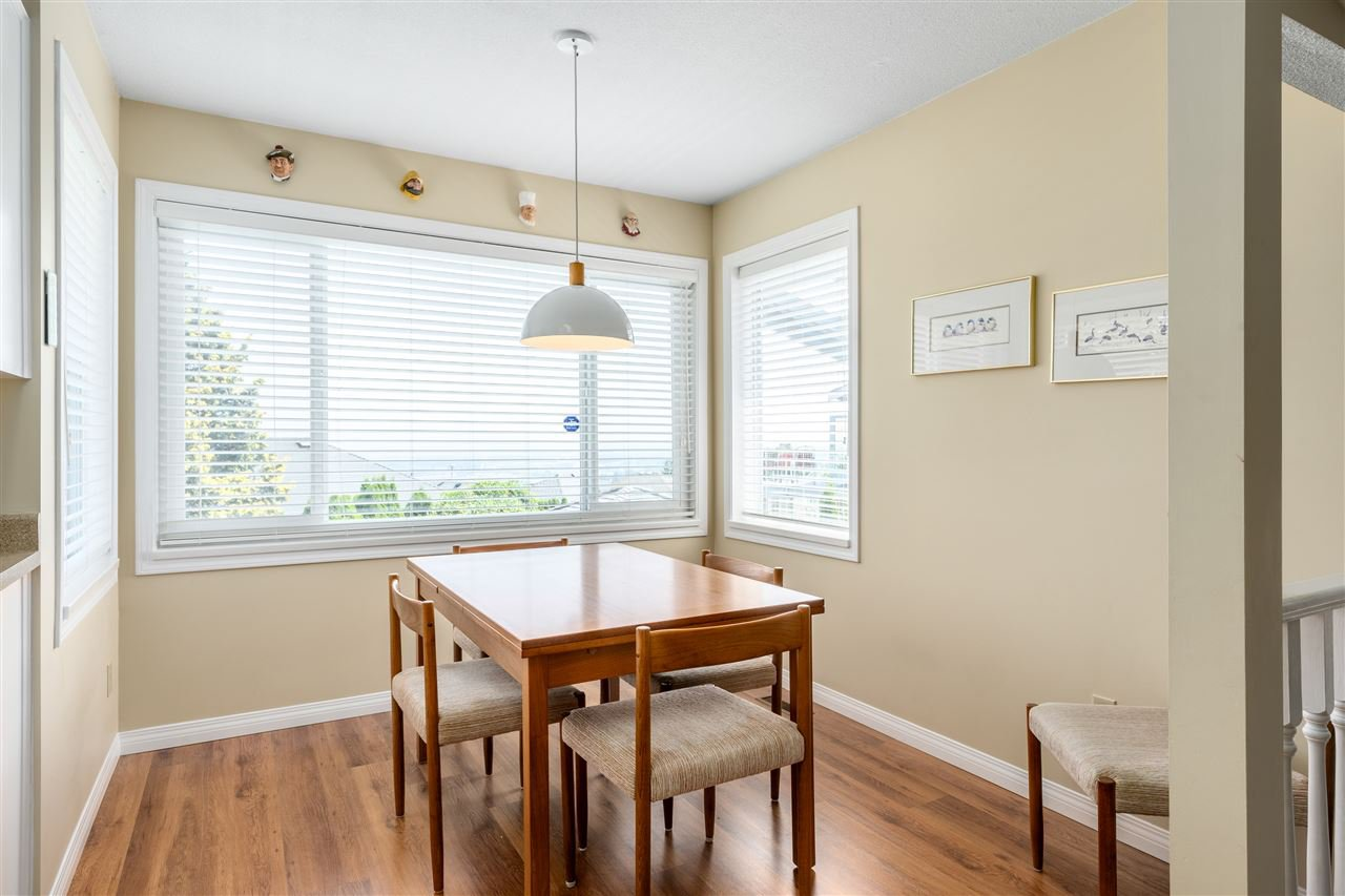 Photo 7: Photos: 2768 WESTLAKE Drive in Coquitlam: Coquitlam East House for sale : MLS®# R2396753