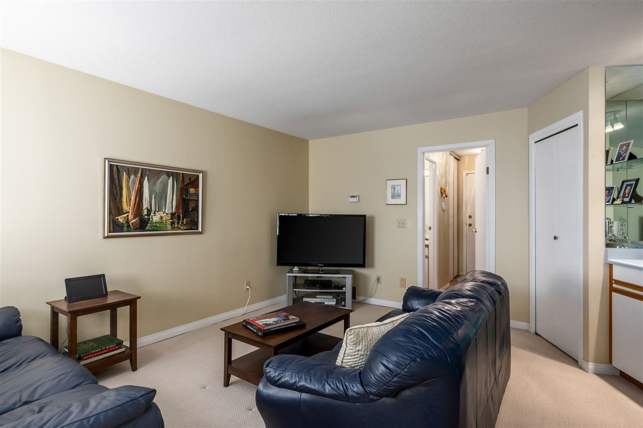 Photo 9: Photos: 2768 WESTLAKE Drive in Coquitlam: Coquitlam East House for sale : MLS®# R2396753