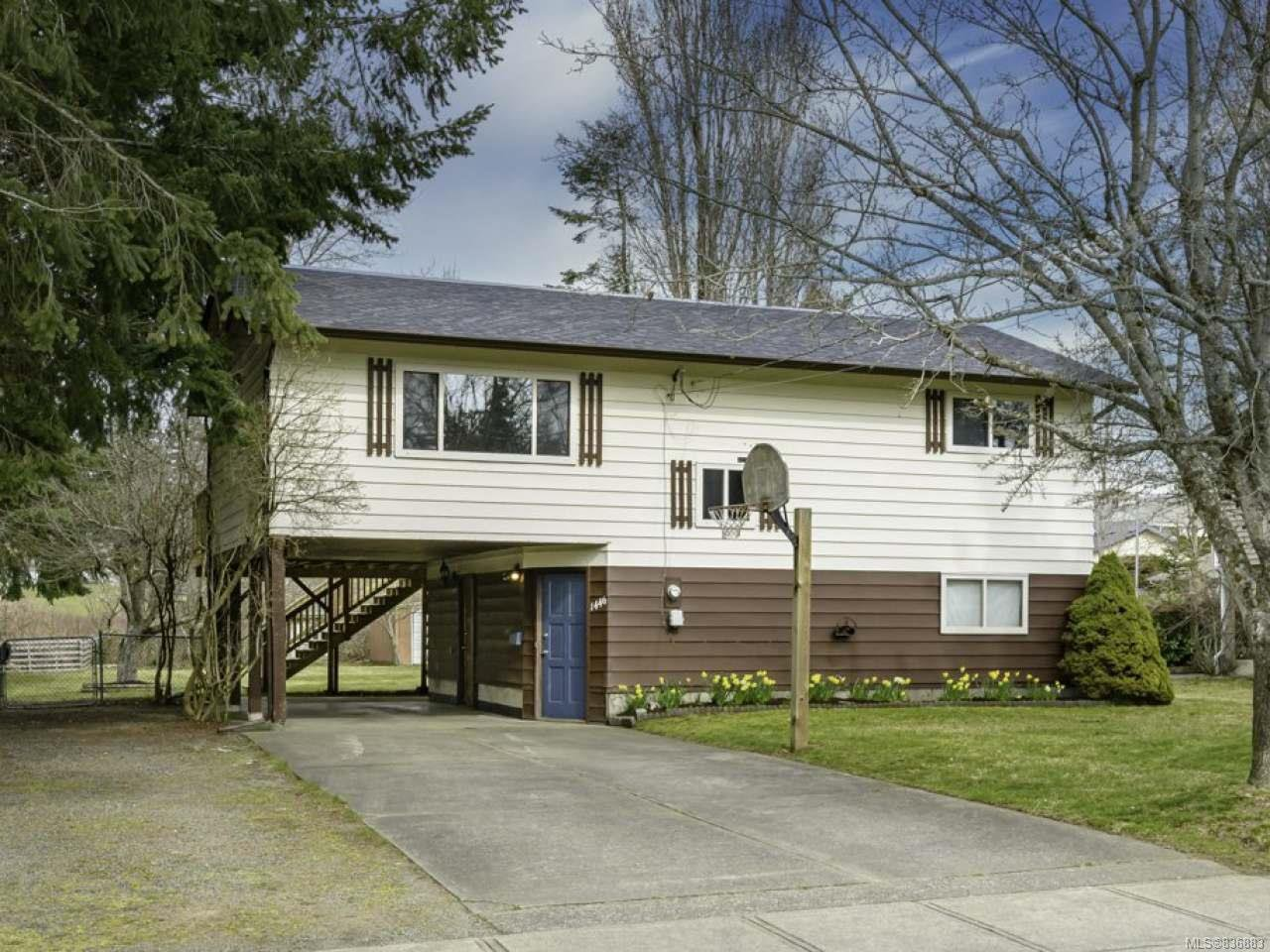 Main Photo: 1446 Dogwood Ave in COMOX: CV Comox (Town of) House for sale (Comox Valley)  : MLS®# 836883