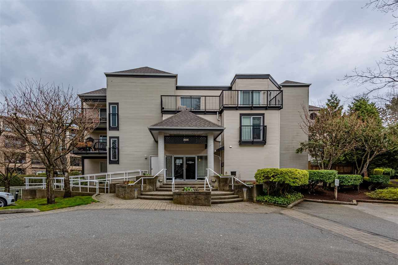 """Main Photo: 104 2401 HAWTHORNE Avenue in Port Coquitlam: Central Pt Coquitlam Condo for sale in """"Central Pt Coquitlam"""" : MLS®# R2449157"""