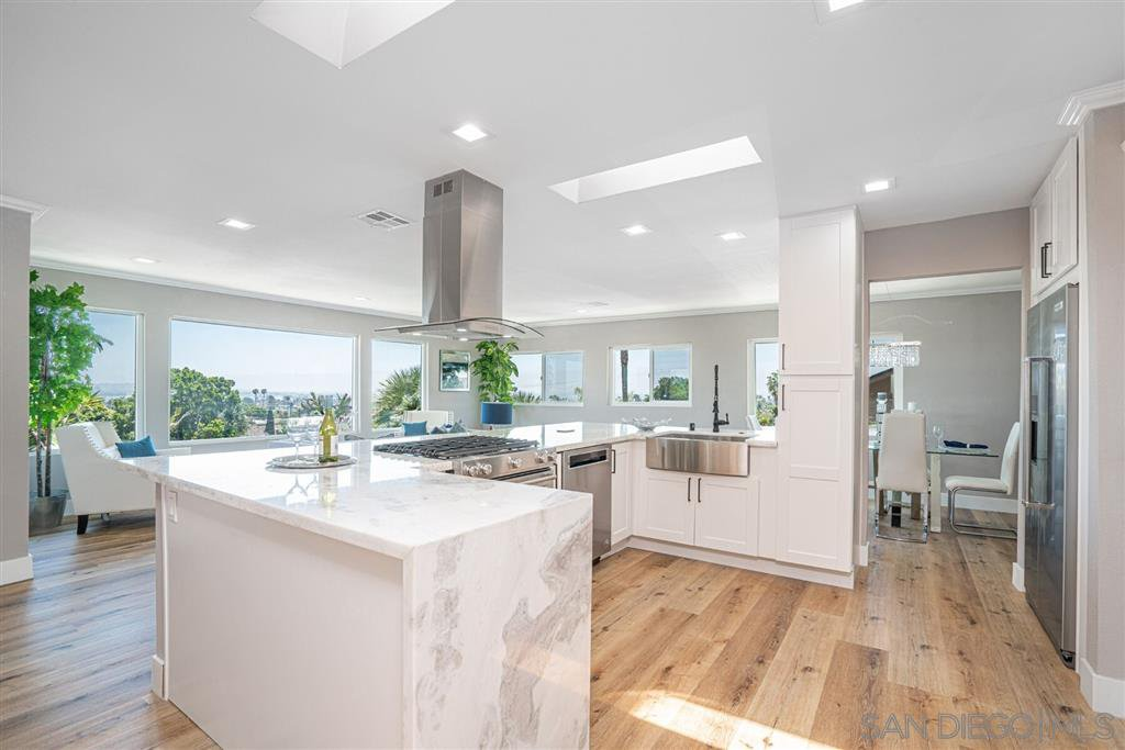 Main Photo: PACIFIC BEACH House for sale : 4 bedrooms : 1624 Beryl Street in San Diego