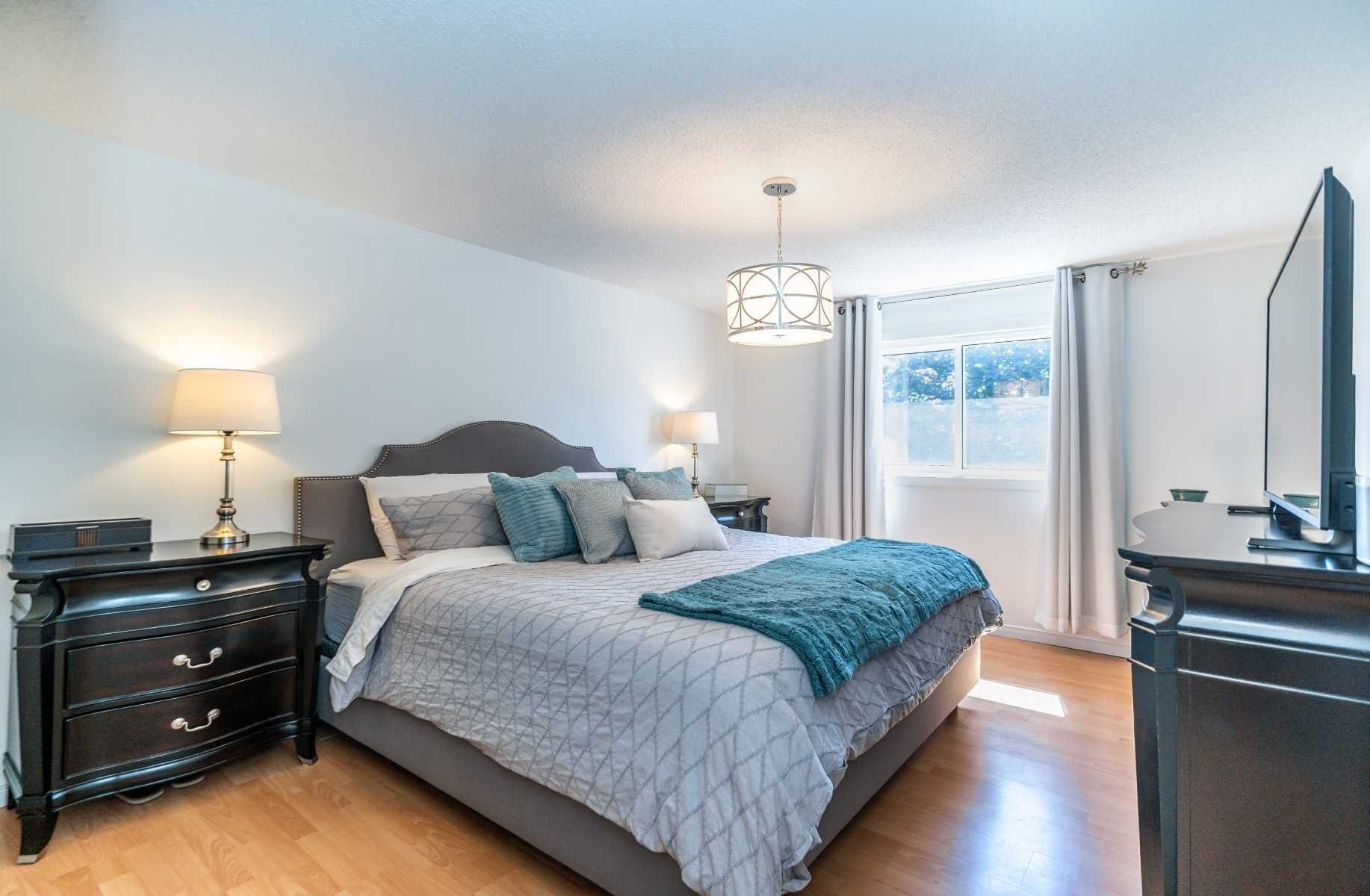 Photo 20: Photos: 1153 Snowberry Court in Oshawa: Pinecrest House (2-Storey) for sale : MLS®# E4794796