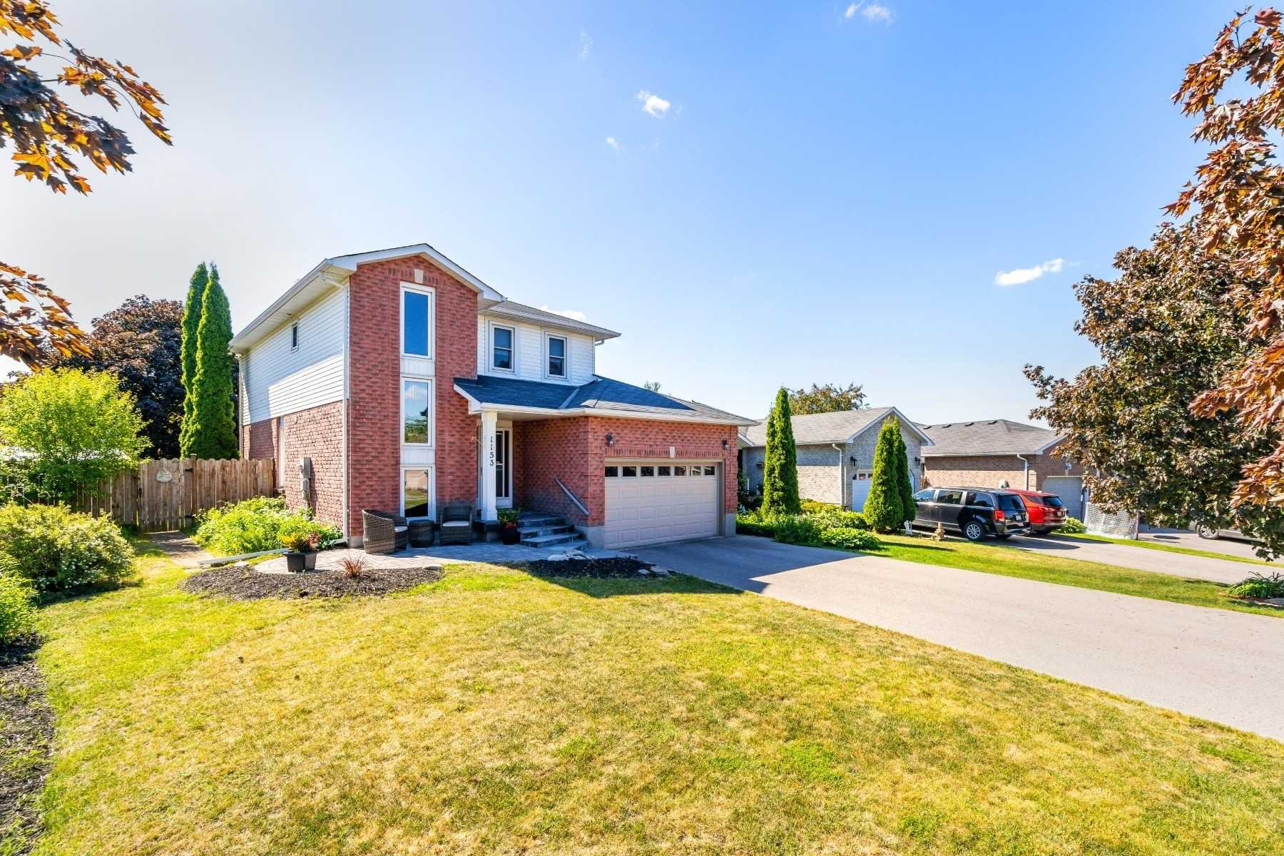 Photo 2: Photos: 1153 Snowberry Court in Oshawa: Pinecrest House (2-Storey) for sale : MLS®# E4794796