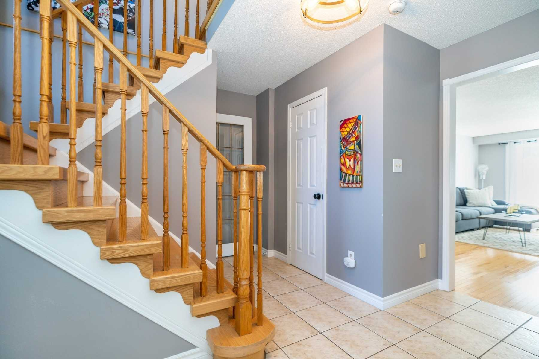 Photo 4: Photos: 1153 Snowberry Court in Oshawa: Pinecrest House (2-Storey) for sale : MLS®# E4794796