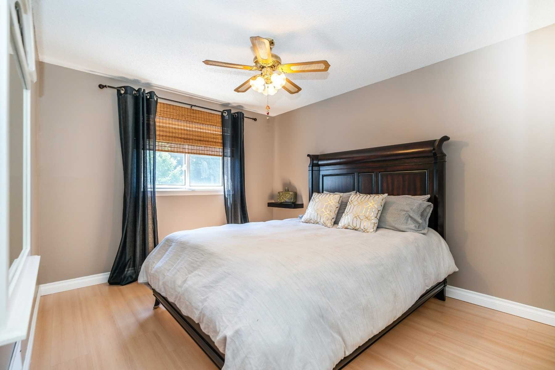 Photo 24: Photos: 1153 Snowberry Court in Oshawa: Pinecrest House (2-Storey) for sale : MLS®# E4794796