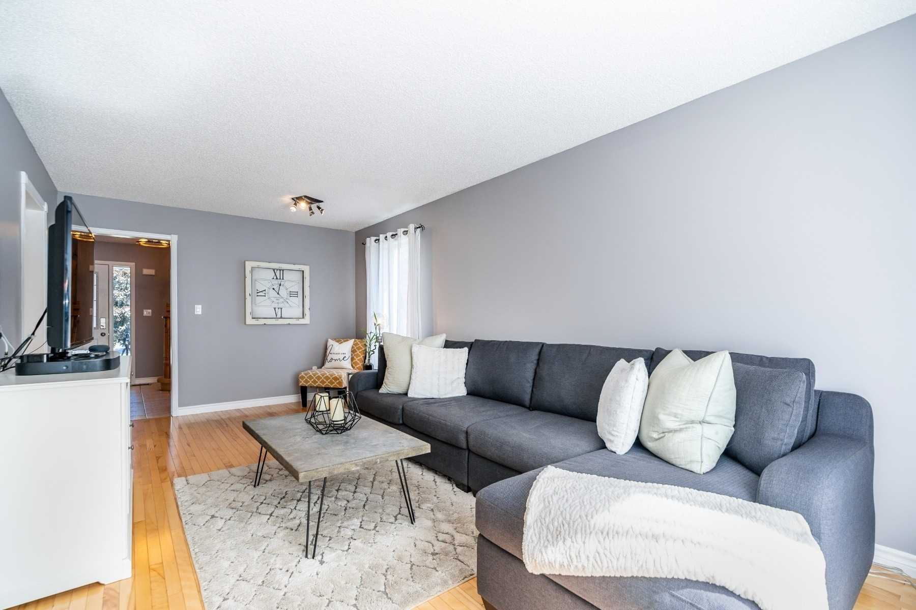 Photo 8: Photos: 1153 Snowberry Court in Oshawa: Pinecrest House (2-Storey) for sale : MLS®# E4794796