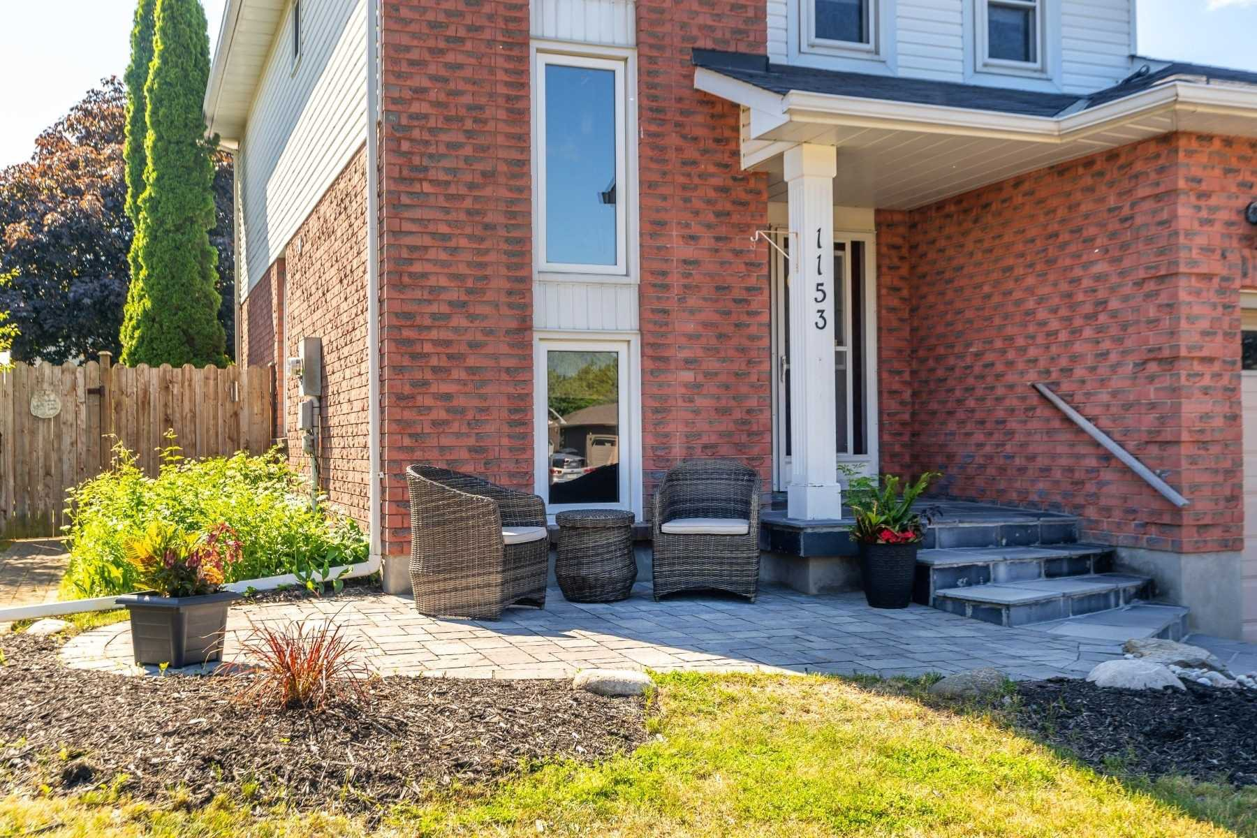 Photo 3: Photos: 1153 Snowberry Court in Oshawa: Pinecrest House (2-Storey) for sale : MLS®# E4794796