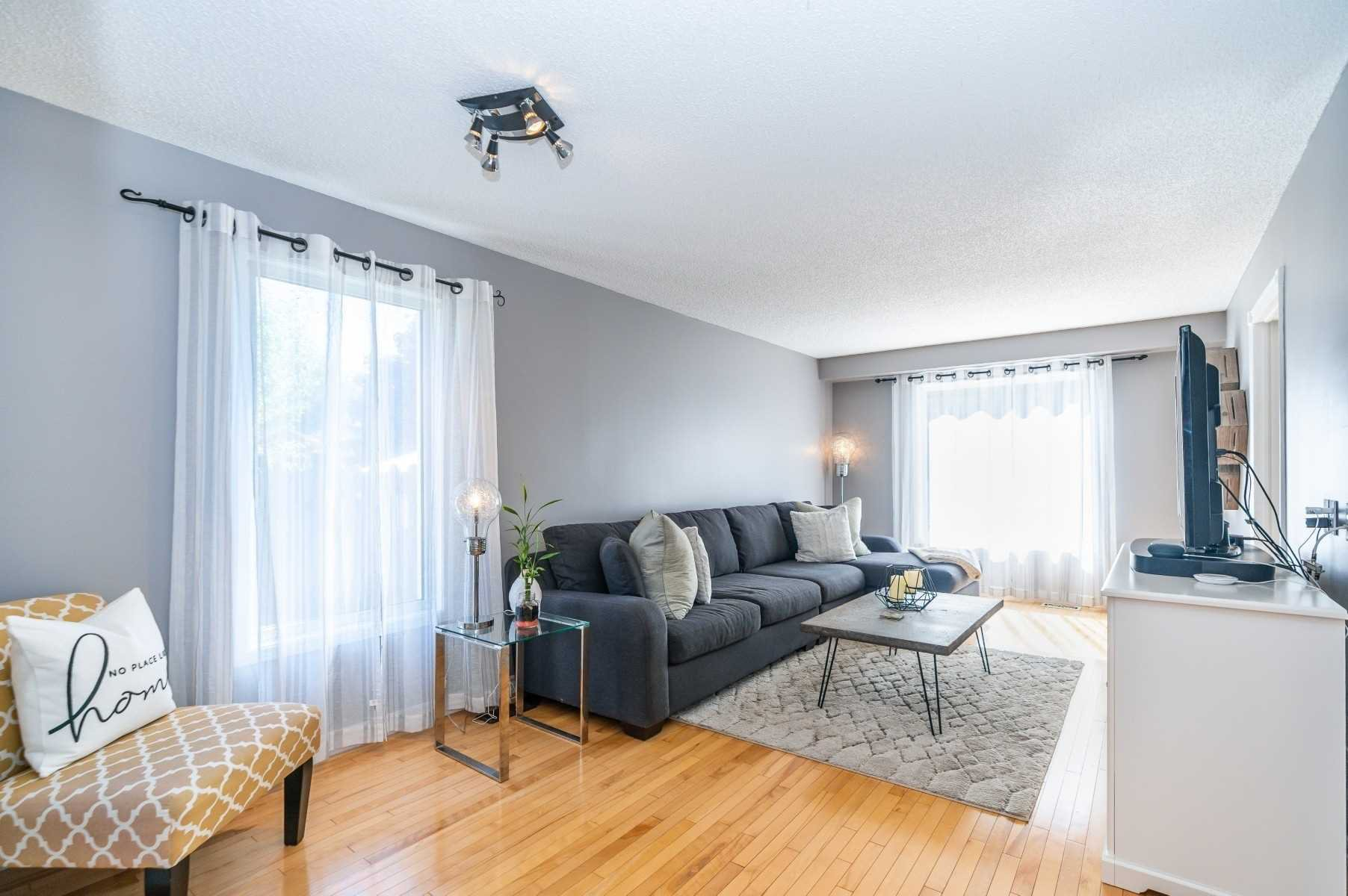 Photo 5: Photos: 1153 Snowberry Court in Oshawa: Pinecrest House (2-Storey) for sale : MLS®# E4794796
