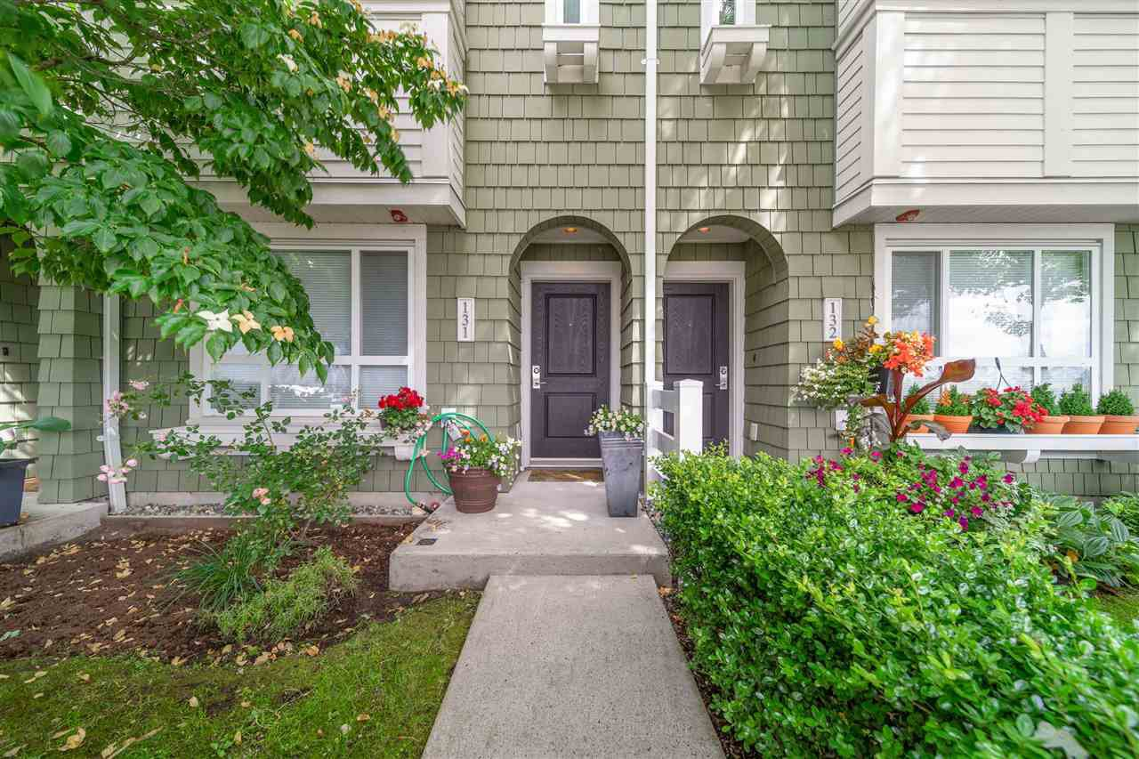 """Main Photo: 131 2418 AVON Place in Port Coquitlam: Riverwood Townhouse for sale in """"Links"""" : MLS®# R2474403"""