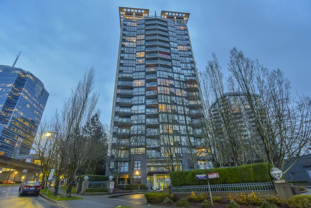 Main Photo: 1706 10899 UNIVERSITY DR. Drive in Surrey: Whalley Condo for sale (North Surrey)  : MLS®# R2525973