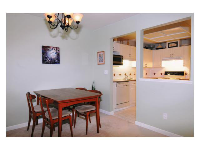 "Photo 4: Photos: 201 19131 FORD Road in Pitt Meadows: Central Meadows Condo for sale in ""WOODFORD MANOR"" : MLS®# V875413"