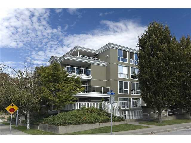 "Main Photo: 102 2485 ATKINS Avenue in Port Coquitlam: Central Pt Coquitlam Condo for sale in ""THE ESPLANDE"" : MLS®# V901967"