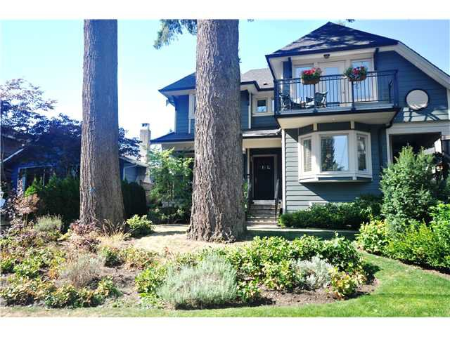 Main Photo: 3115 SUNNYHURST Road in North Vancouver: Lynn Valley House Duplex for sale : MLS®# V972799
