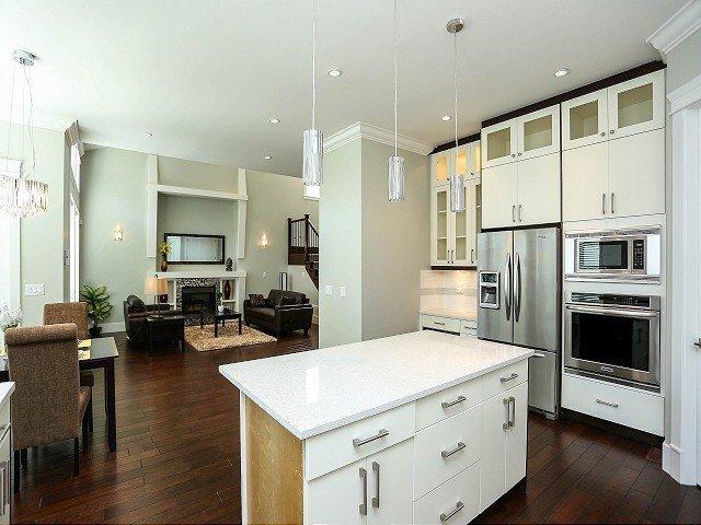 Photo 7: Photos: 17306 0B Avenue in Surrey: Pacific Douglas House for sale (South Surrey White Rock)  : MLS®# F1325073