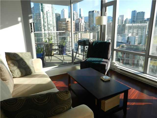 "Main Photo: 1806 1255 SEYMOUR Street in Vancouver: Downtown VW Condo for sale in ""ELAN"" (Vancouver West)  : MLS®# V1056105"