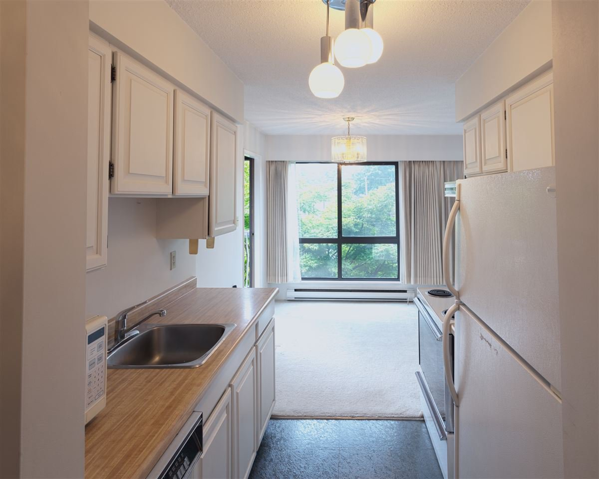 """Photo 2: Photos: 401 3680 W 7TH Avenue in Vancouver: Kitsilano Condo for sale in """"JERICHO HOUSE"""" (Vancouver West)  : MLS®# R2078585"""