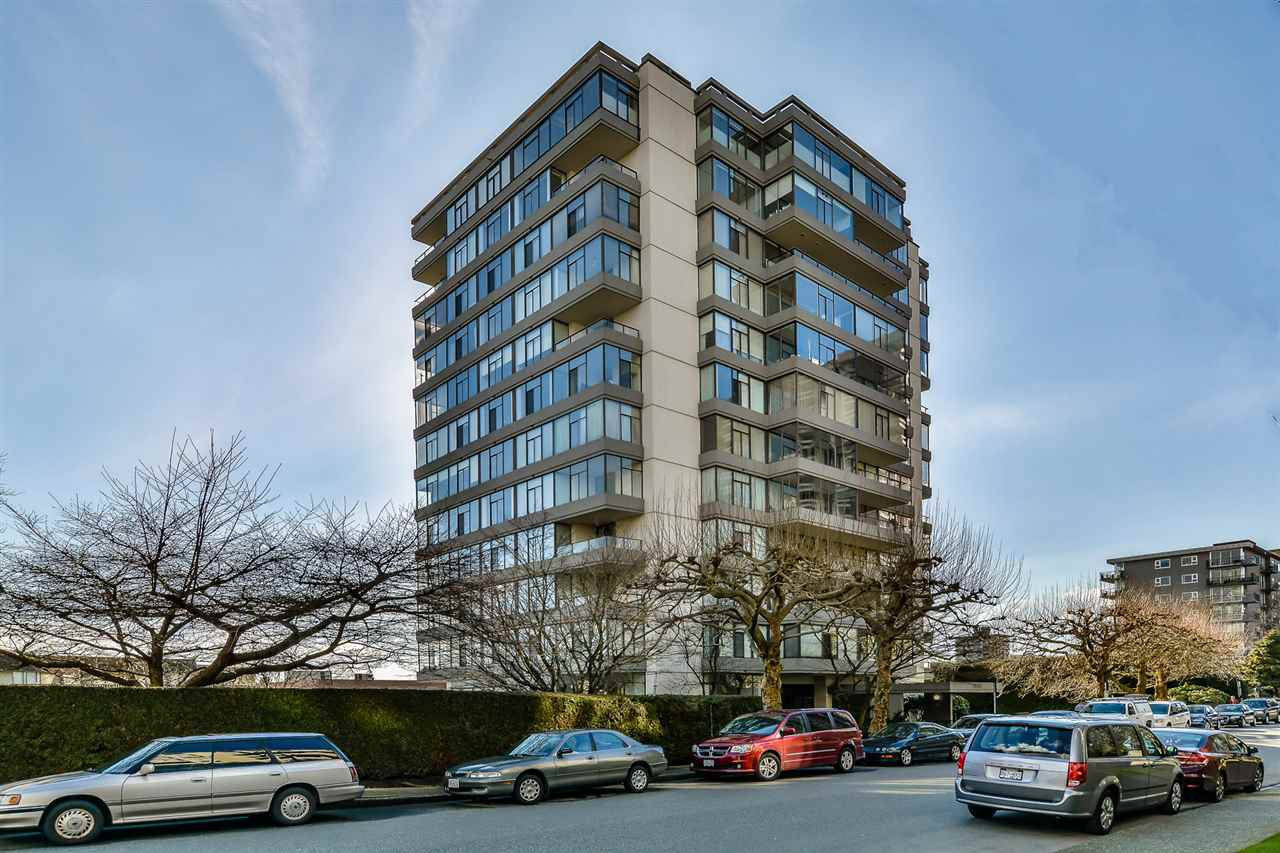 """Main Photo: 802 1480 DUCHESS Avenue in West Vancouver: Ambleside Condo for sale in """"Westerlies"""" : MLS®# R2140137"""