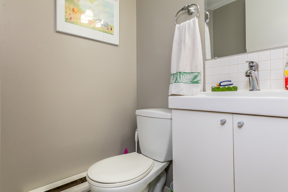 """Photo 12: Photos: 32 2998 MOUAT Drive in Abbotsford: Abbotsford West Townhouse for sale in """"Brookside Terrace"""" : MLS®# R2162196"""