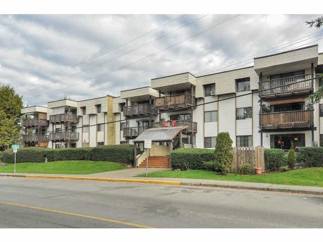 "Main Photo: 101 12170 222 Street in Maple Ridge: West Central Condo for sale in ""Wildwood Terrace"" : MLS®# R2167394"