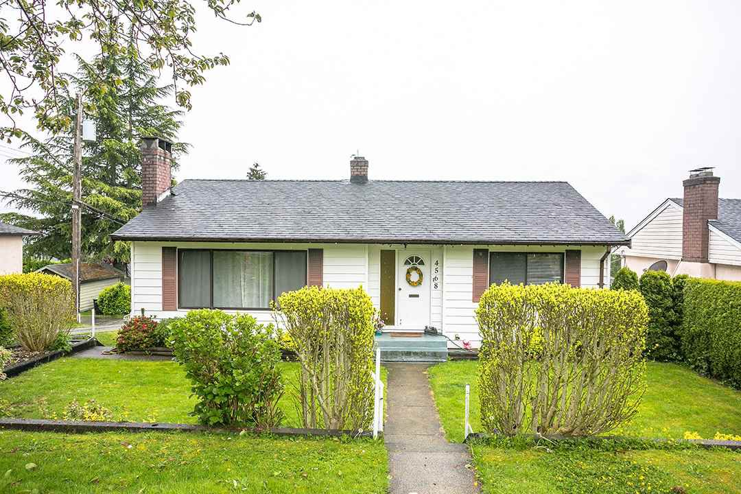 Main Photo: 4568 MCKEE Street in Burnaby: South Slope House for sale (Burnaby South)  : MLS®# R2178420