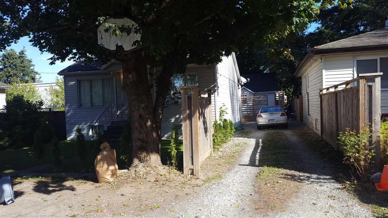 Main Photo: 989 FRASER Avenue in Hope: Hope Center House for sale : MLS®# R2214496