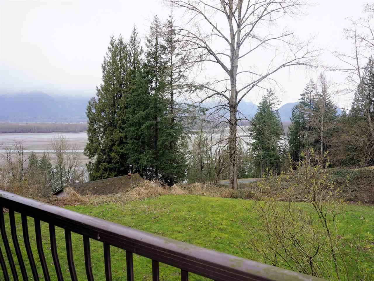"Photo 11: Photos: 42854 OLD ORCHARD Road in Chilliwack: Chilliwack Mountain House for sale in ""CHILLIWACK MOUNTAIN"" : MLS®# R2250861"