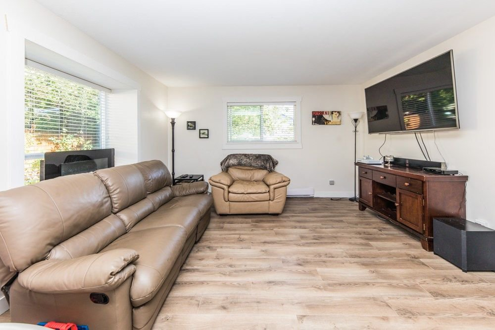 "Main Photo: 1 20630 118 Avenue in Maple Ridge: Southwest Maple Ridge Townhouse for sale in ""WESTGATE TERRACE"" : MLS®# R2286762"