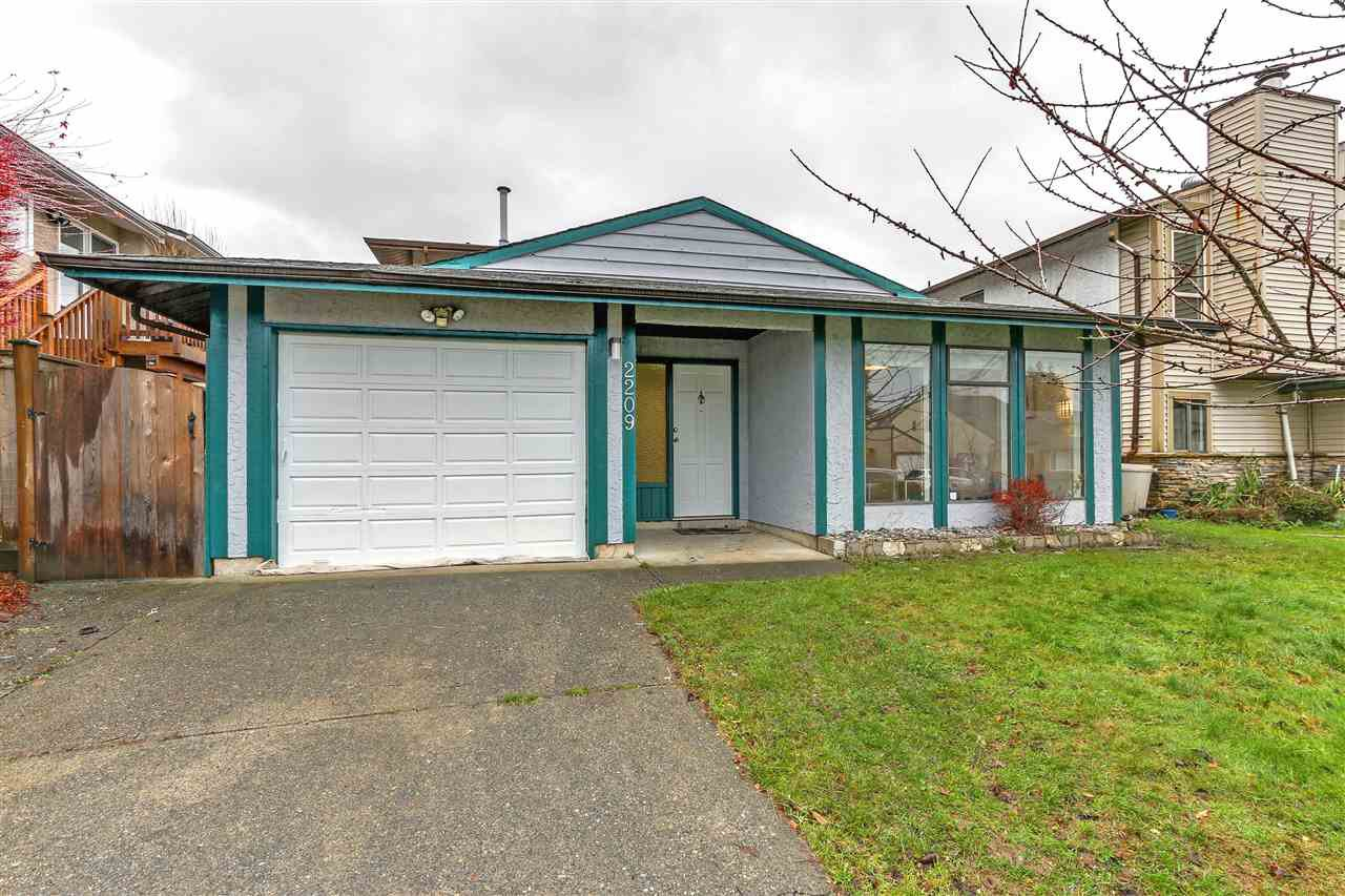 Main Photo: 2209 WILLOUGHBY Way in Langley: Willoughby Heights House for sale : MLS®# R2293010