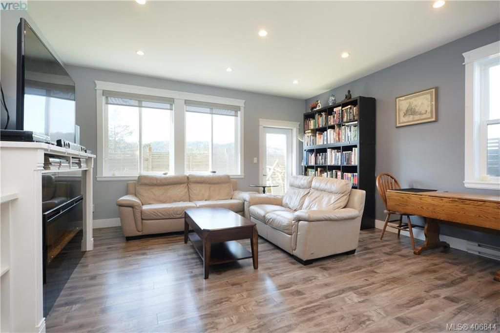 Photo 3: Photos: 3346 Turnstone Dr in VICTORIA: La Happy Valley House for sale (Langford)  : MLS®# 808542