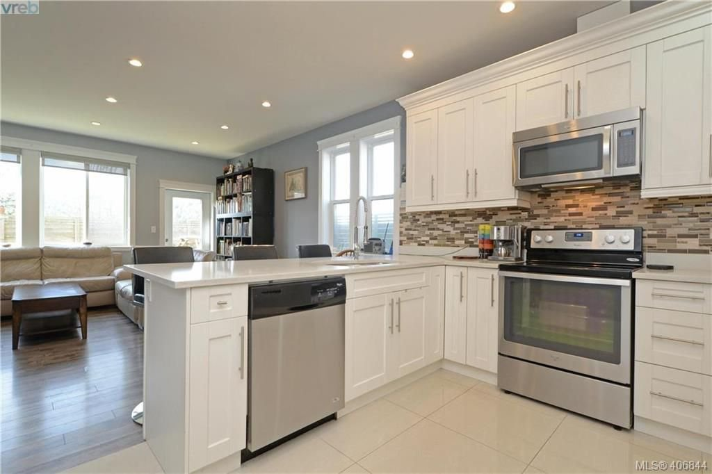 Photo 8: Photos: 3346 Turnstone Dr in VICTORIA: La Happy Valley House for sale (Langford)  : MLS®# 808542