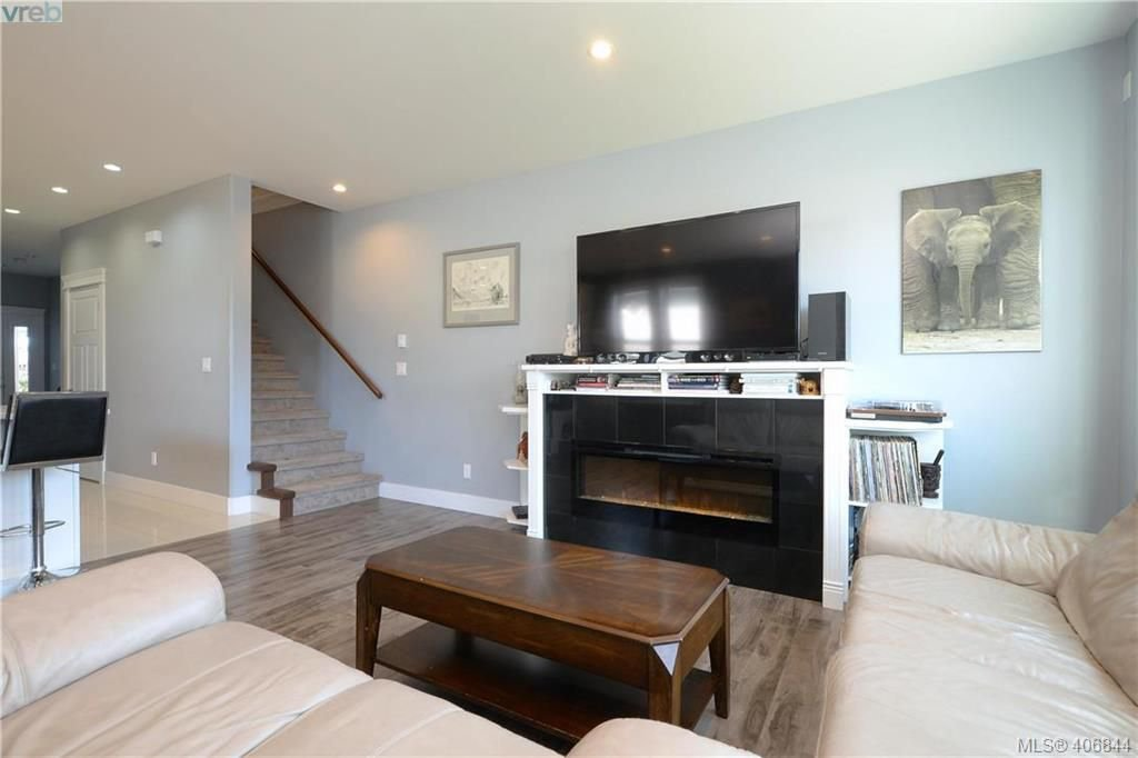 Photo 5: Photos: 3346 Turnstone Dr in VICTORIA: La Happy Valley House for sale (Langford)  : MLS®# 808542