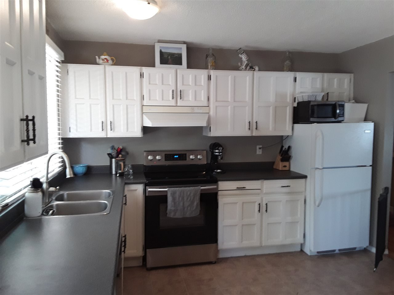 """Photo 4: Photos: 641 PIERCE Street in Quesnel: Quesnel - Town House for sale in """"UPLANDS"""" (Quesnel (Zone 28))  : MLS®# R2383878"""