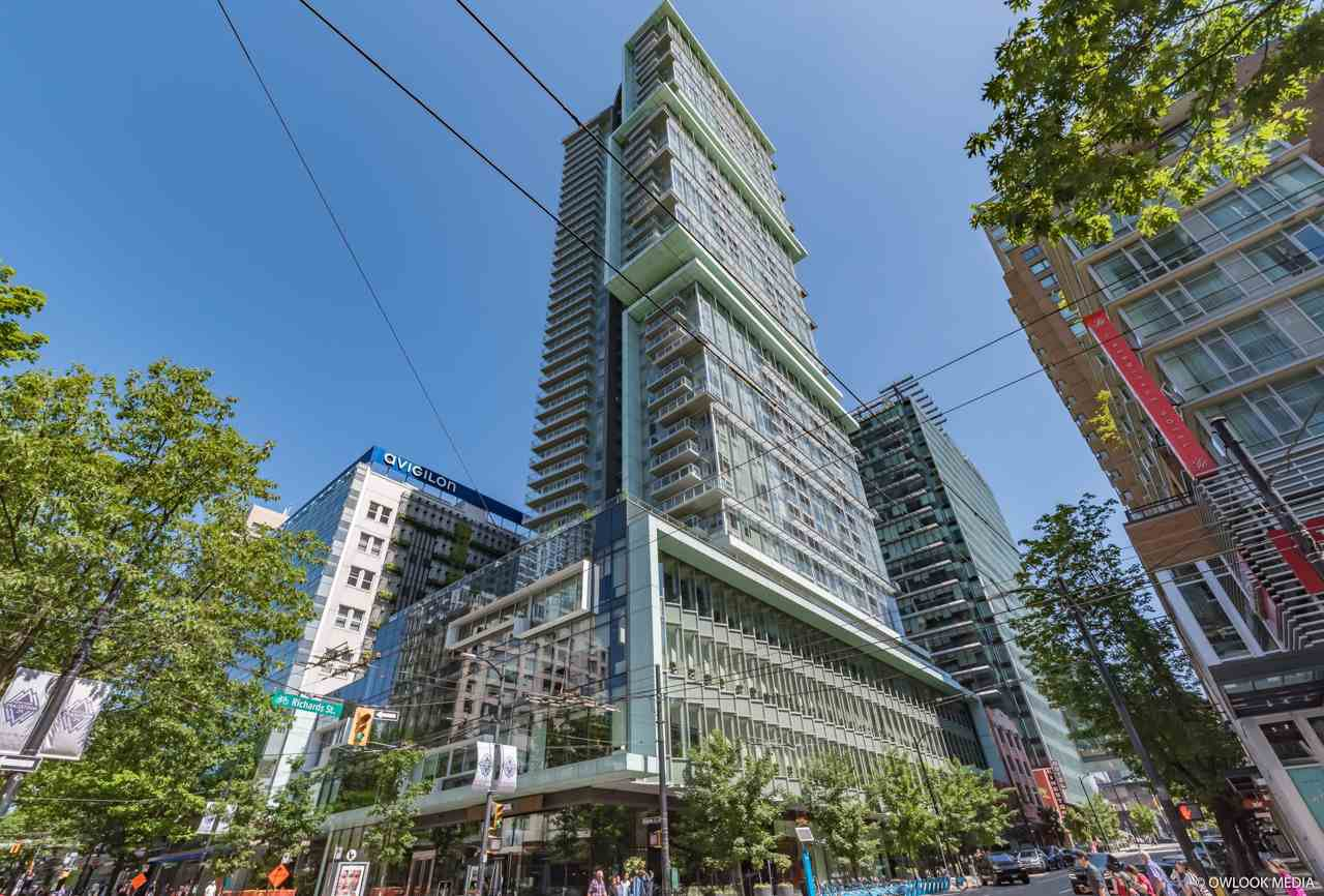 "Main Photo: PH6 777 RICHARDS Street in Vancouver: Downtown VW Condo for sale in ""TELUS GARDEN"" (Vancouver West)  : MLS®# R2463480"