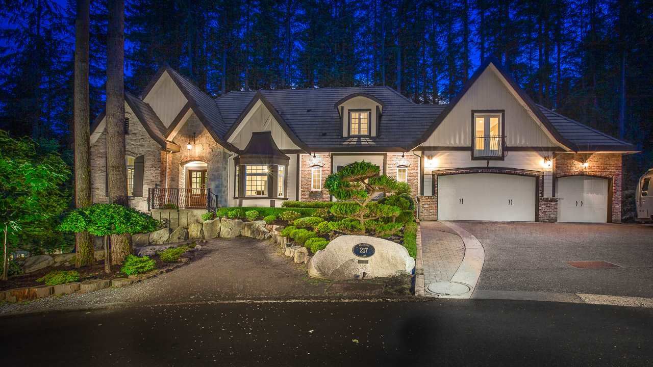 Main Photo: 217 WESTRIDGE Lane: Anmore House for sale (Port Moody)  : MLS®# R2466034