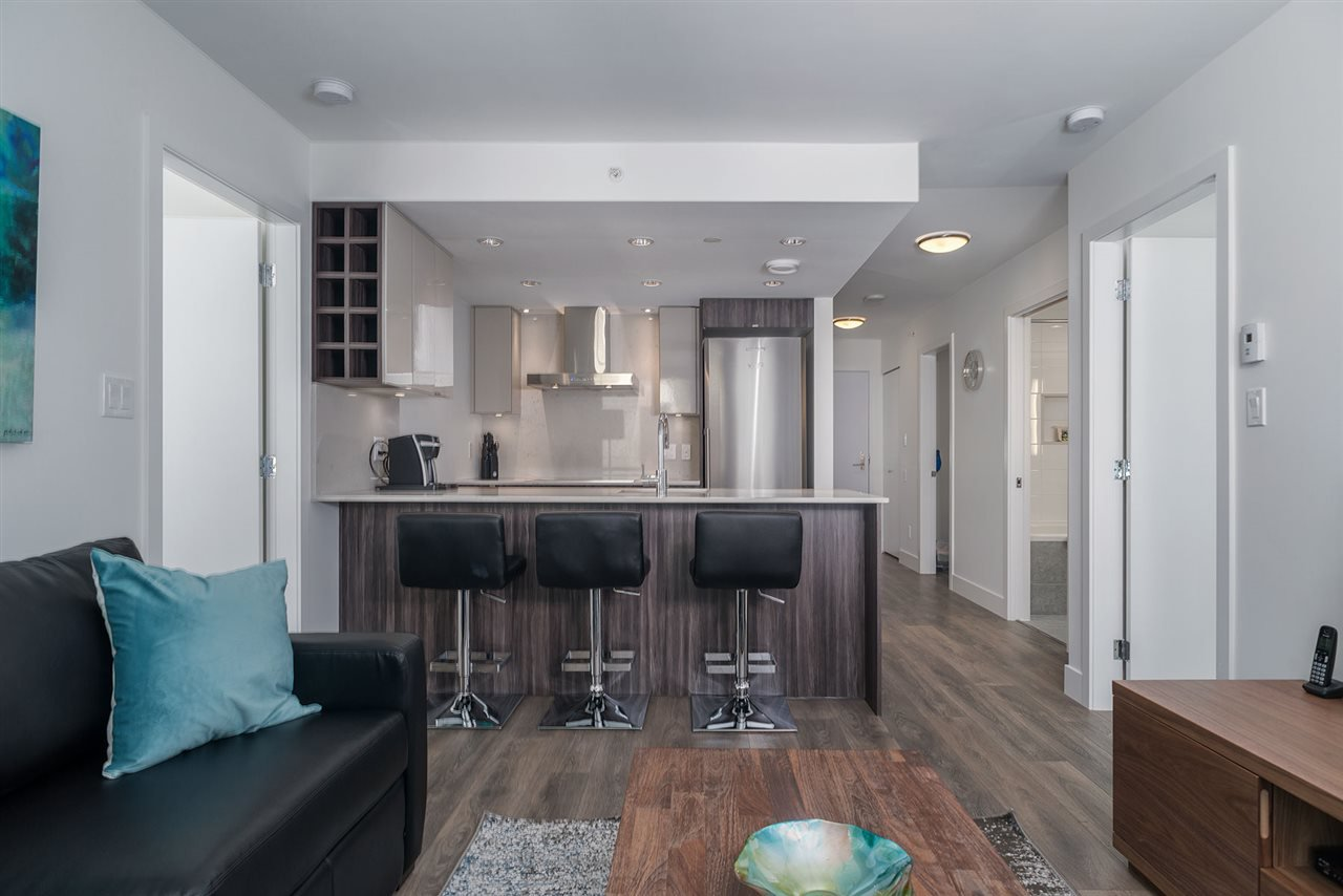 """Main Photo: 503 1788 COLUMBIA Street in Vancouver: False Creek Condo for sale in """"EPIC AT WEST"""" (Vancouver West)  : MLS®# R2466069"""