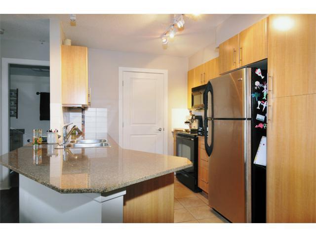 "Photo 7: Photos: 301 12020 207A Street in Maple Ridge: Northwest Maple Ridge Condo for sale in ""WESTBROOK"" : MLS®# V917594"