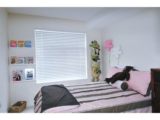 "Photo 8: Photos: 301 12020 207A Street in Maple Ridge: Northwest Maple Ridge Condo for sale in ""WESTBROOK"" : MLS®# V917594"