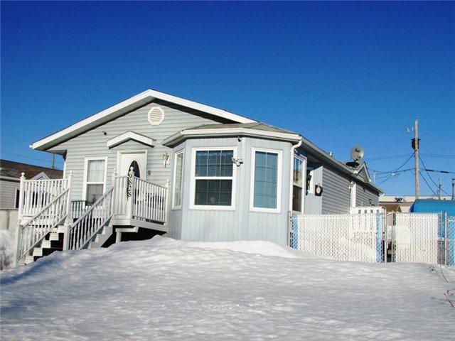 Main Photo: 9828 96TH Avenue in Fort St. John: Fort St. John - City SE Manufactured Home for sale (Fort St. John (Zone 60))  : MLS®# N233012