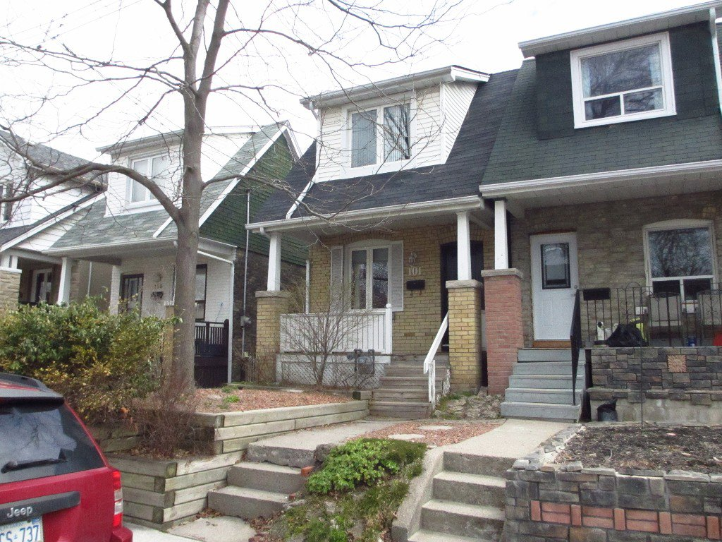 Main Photo: 101 Drayton Avenue in Toronto: Woodbine Corridor House (2-Storey) for sale (Toronto E02)  : MLS®# E3181748