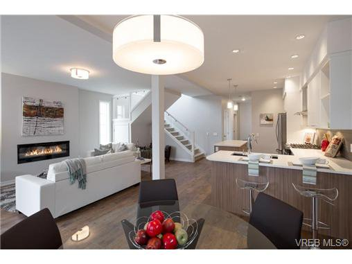 Main Photo: 3252 Hazelwood Rd in VICTORIA: La Happy Valley House for sale (Langford)  : MLS®# 714113