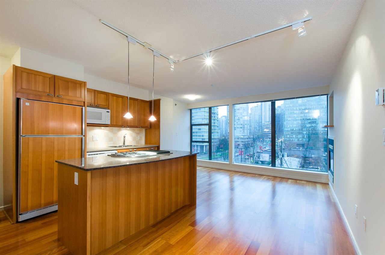 "Main Photo: 608 1723 ALBERNI Street in Vancouver: West End VW Condo for sale in ""The Park"" (Vancouver West)  : MLS®# R2015655"