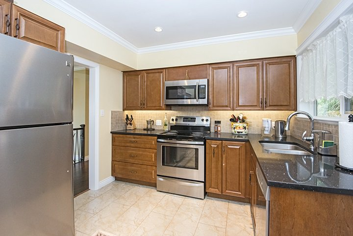 Photo 4: Photos: 2218 HOPE Street in Port Moody: Port Moody Centre House for sale : MLS®# R2049708