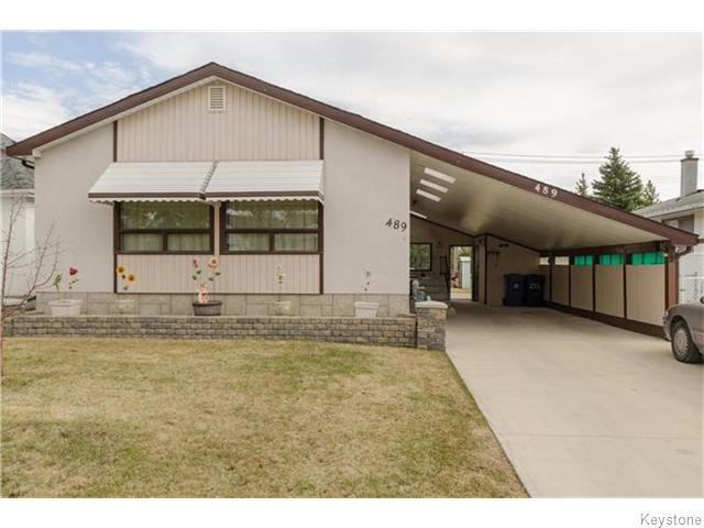 Main Photo: 489 Daer Boulevard in Winnipeg: Westwood / Crestview Residential for sale (West Winnipeg)  : MLS®# 1609886